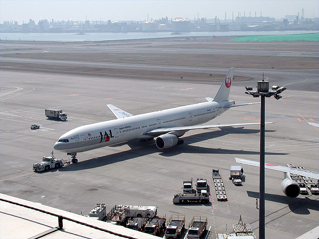 JAL - Boeing 777-300